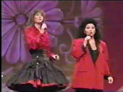 Sylvia Tyson & Lucille Starr - Papere's Mill