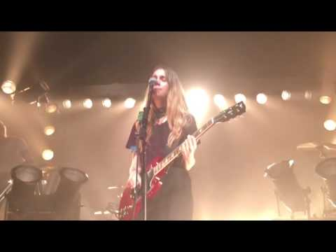 Haim - Nothing's Wrong (new song) - live Flagstaff, AZ 05/18/16