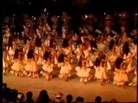 """""""Heikura Nui"""" best costume at Heiva I Tahiti 1998"""