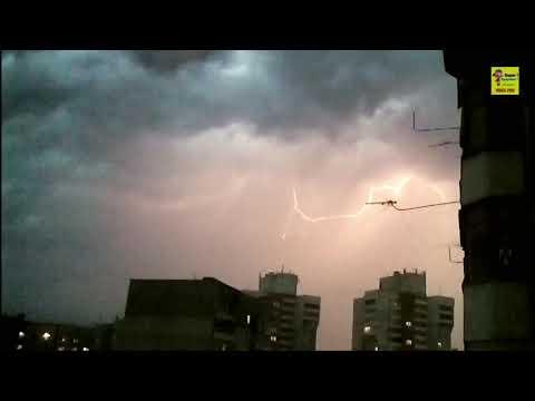 Поймал молнии близко. Caught lightning near