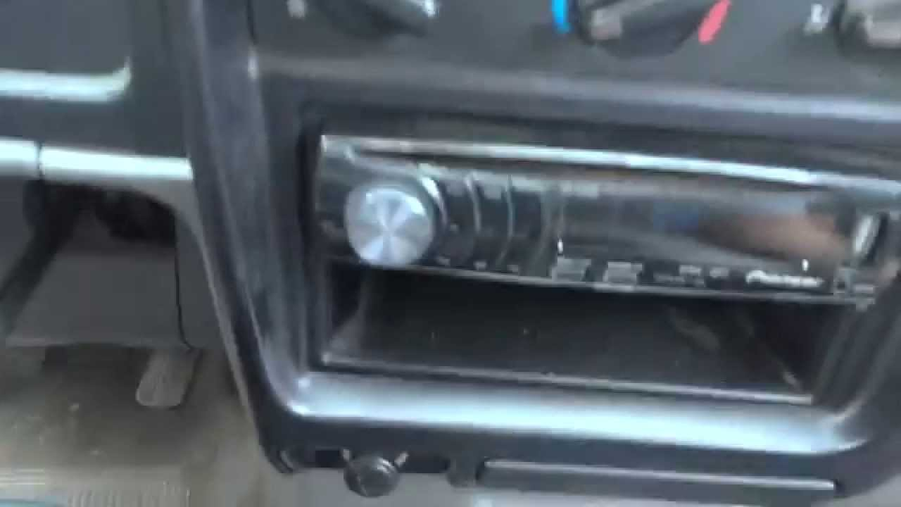 2001 2004 tacoma gauge cluster swap part 1 youtube. Black Bedroom Furniture Sets. Home Design Ideas
