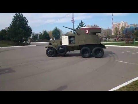 Бронеавтомобиль БА-3 разгружается в Одинцово