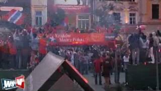 Wisła Kraków Mistrz Polski 2008 2009 przemarsz i feta na Rynku Głównym