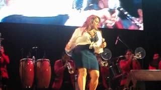 Jenni Rivera - Mazatlán 2012 Bailando de Cartoncito =)