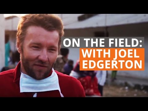 Little old lady steals Joel Edgerton's heart, and nose!