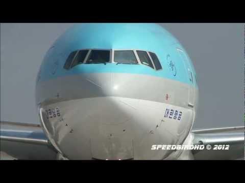Boeing 777-300ERs at Los Angeles International Airport