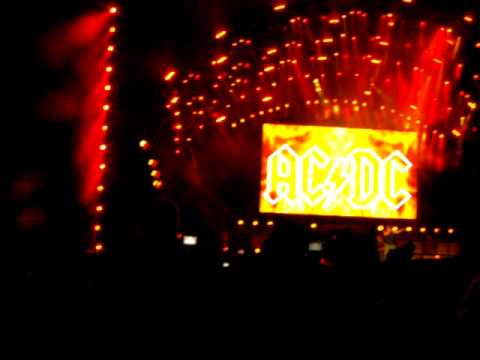 AC / DC Highway To Hell Live At  Download 2010