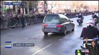 Les bikers aux côtés du cortège de Johnny Hallyday sur les Champs-Élysées