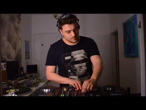 Paulo Pires DJ Set - Quarto/Fresta