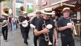 We shall walk through the streets of the City - Swinging Hamburg Marchin`Band