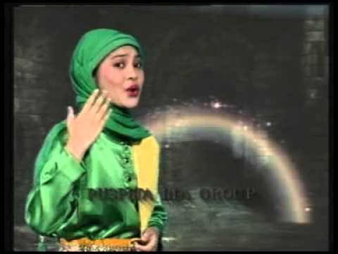 Al Akhyar - Gadis Santri