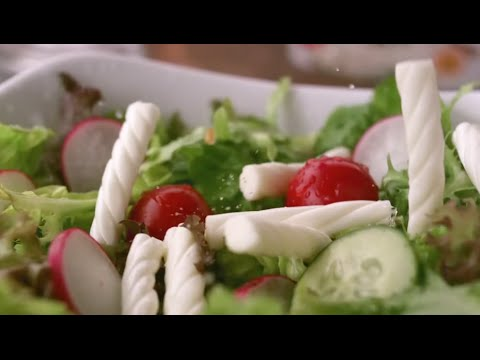 Salata bahane! Hafif mi hafif Burgu Peynir şahane…