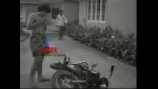 Mohanlal's First Movie Scene in front of Camera - Thiranottam 1978