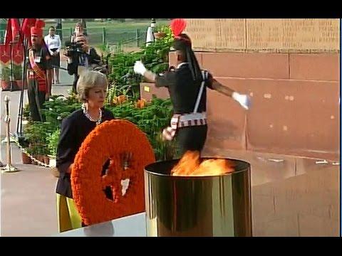 British PM Theresa May Pays Tribute At Amar Jawan Jyoti
