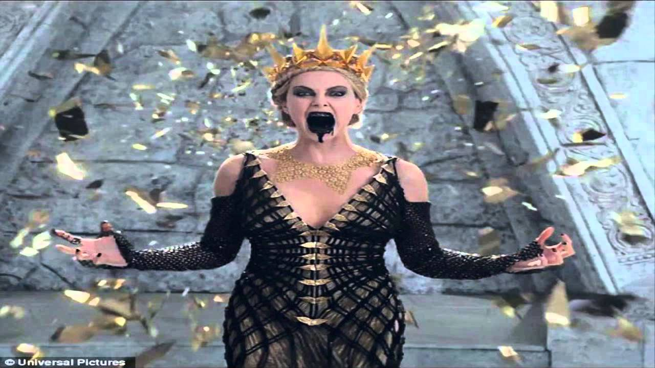Charlize Theron is terrifying as evil Queen Ravenna ...