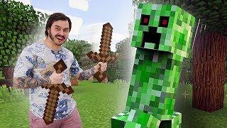 Видео игра – Майнкрафт мобы и новое оружие для Нуба – Летсплей Minecraft в шоу для детей.