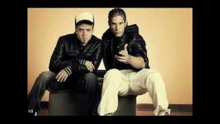Chino & Nacho - Regalame un Muack (OFICIAL) letra