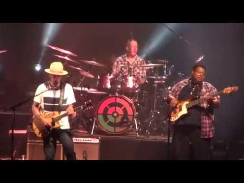 Ben Harper & The Innocent Criminals  - With My Own Two Hands -  Grenoble - 4 Octobre 2016