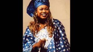 Oumou Sangare  -  Ah Ndiya (Audio)