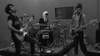 Kelompok Penerbang Roket - Mati Muda (Live Studio Cover)