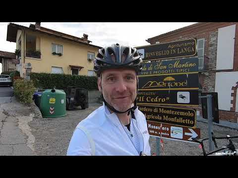 Cycling around the Italian vineyards.