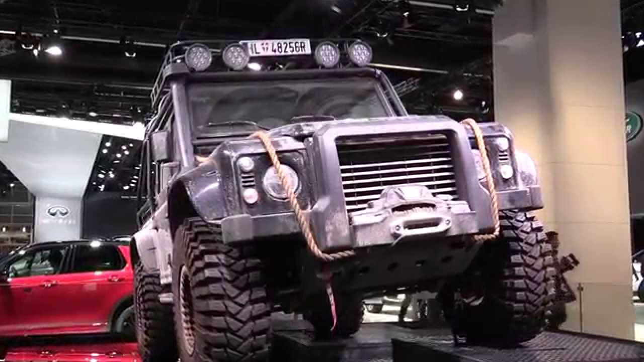 The New Land Rover Defenders From The James Bond Movie Spectre 007 |  AutoMotoTV - YouTube
