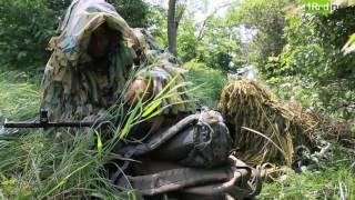 Тренировка снайперов в лесу и на тактическом поле