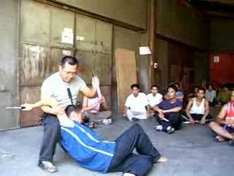 Filipino Combat Knife Fighting