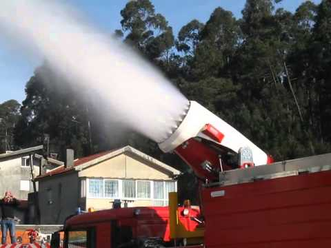 Пожарная машина с установкой газоводяного тушения