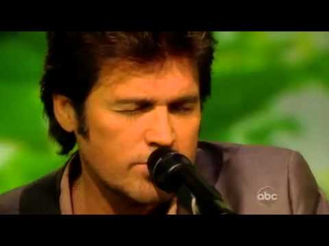 billy-ray-cyrus-performs--that's-what-daddys-do