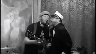 Dublin Songs - Dylan Walshe & Dave King of Flogging Molly - Cruise 2017