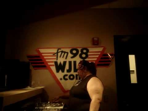 Dj cent live on fm 98 wjlb club insomnia show 5 8 14 for Insomnia house music