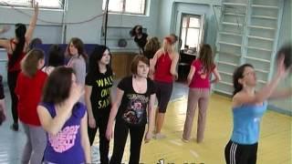 Выпускной в Донецке- урок физкультуры в школе