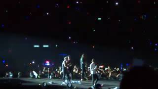 Zayn last song on stage with one direction