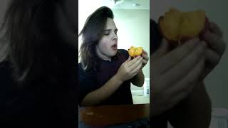 I eat a peach in less than 1 minute