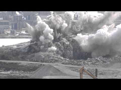 Nuummi umiarsualiviliortut qaartitsinerat / Sprængning ved Nuuk havnebyggeri 12/06-15