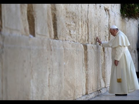 Amid Mideast tensions, Pope performs 'balancing act'