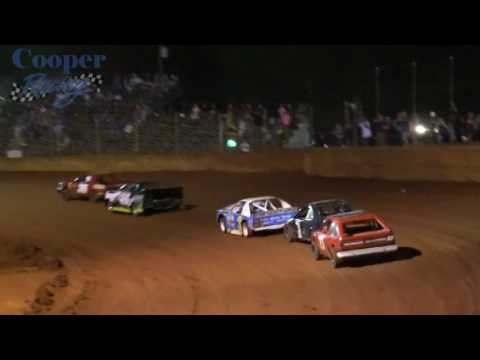 Moulton Speedway 8/13/16 Heat #3 Mini Stock filmed turn 4