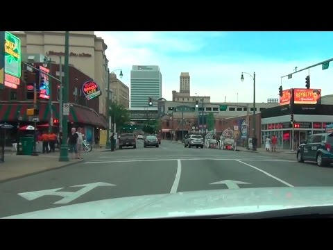 Driving around in Memphis, Tennessee - POV