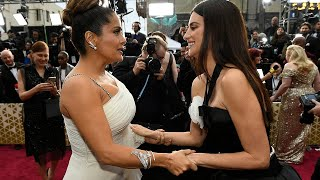 salma hayek and penélope cruz being besties for 7 minutes and 23 seconds