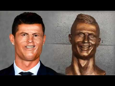 OUT OF THIS WORLD reaction to Cristiano Ronaldo´s bust