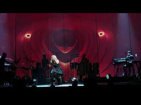Lara Fabian - Broken Vow (Live) from the Camouflage World Tour, Washington D.C