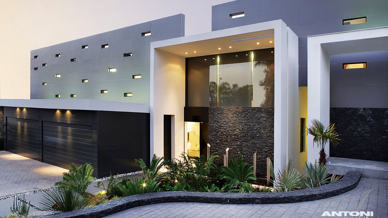 Eccentric modern luxury residence in johannesburg south for Modern south african home designs
