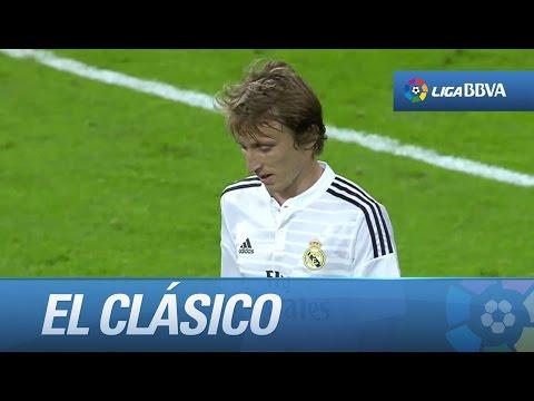Ovación y cambio de Modric por Arbeloa