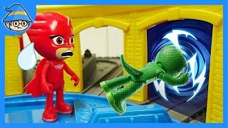 PJ Masks travels on a time machine. Catch Romeo and the ninja.