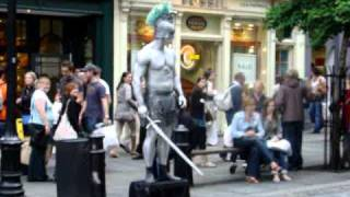 Funny Living Statue, Street Performance at Covent Garden - London  (England)
