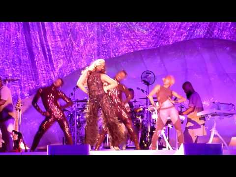 Rihanna - Take Care + Where Have You Been (live) - Copenhagen, Denmark - 7-7-2016