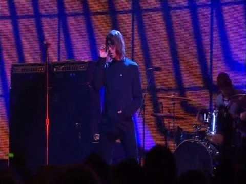 Oasis live at Brit Awards 14 02 2007