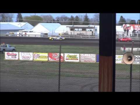 Nielsen racing Algona 4-26-14