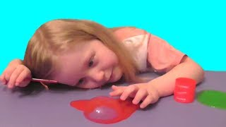 Пузыри из лизунов. Делаем пузырь из слайма. Slime. Видео для детей. Video for kids.
